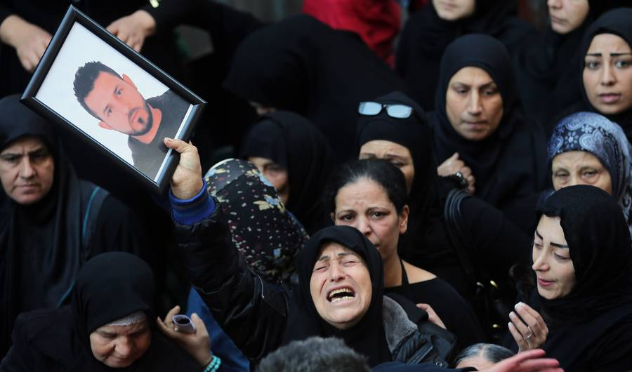 Women grieving in Beirut 2015
